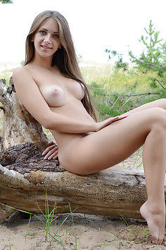 Showy Beauty: Marika