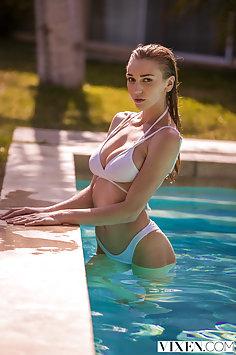 Sex with my friend's daughter Kendra Sunderland | Vixen